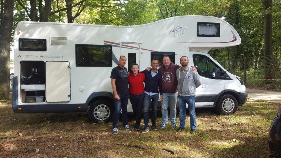 Locationdecampingcar.be s'est invité à un salon automobile avec Florian